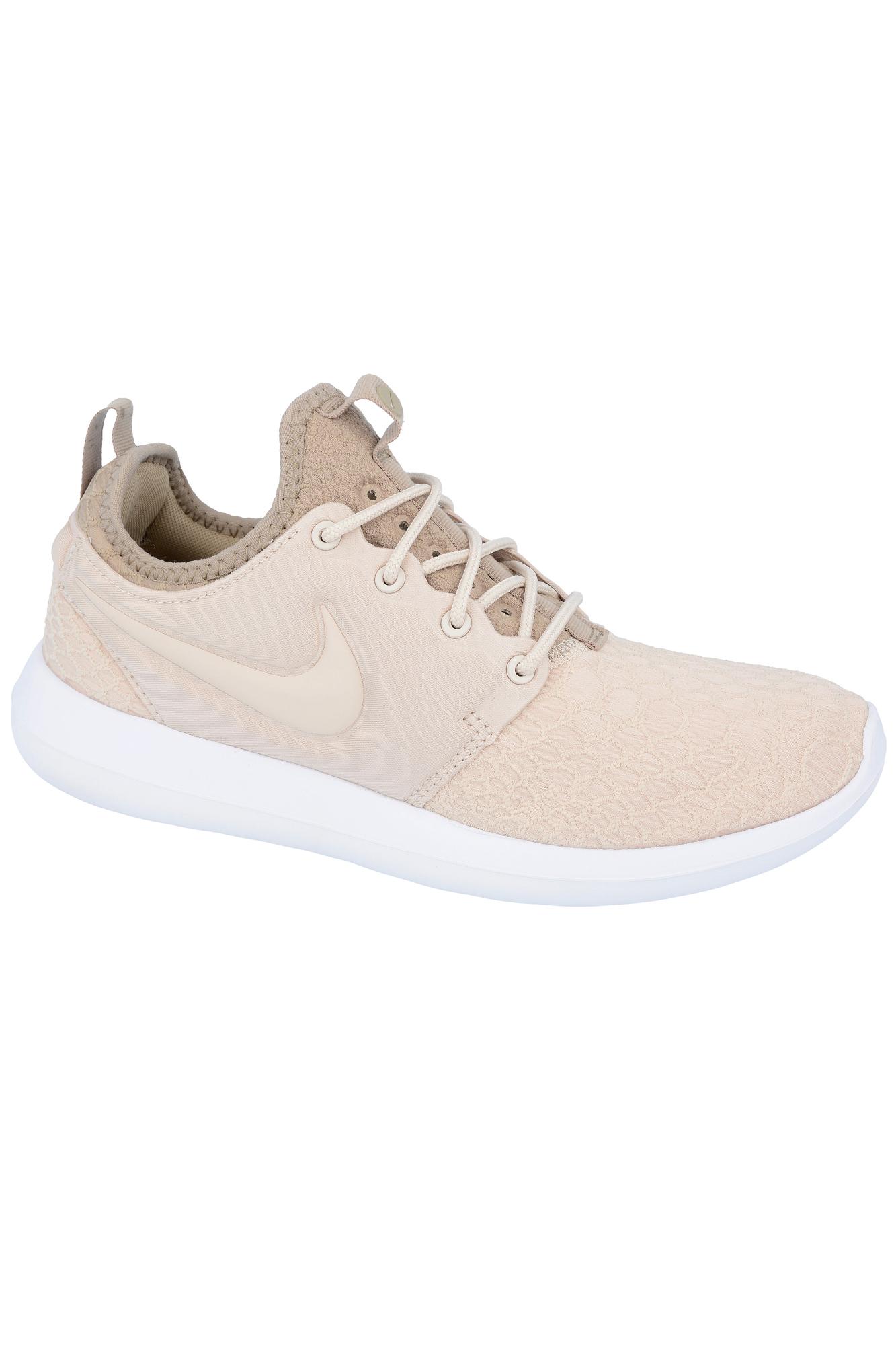 online retailer 713e8 9a297 Buty Nike Roshe Two SE - 881188-100 / Na co dzień / Buty / Damskie ...